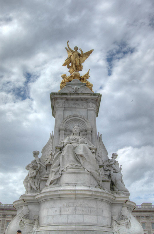 The Victoria Memorial lies just in front of Buckingham Palace (the upper levels can be seen in the background)in London. Completed in 1914, the memorial contains 2,300 tons of white marble.